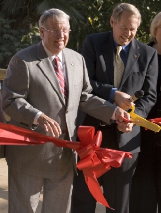Mayor Howard Vipperman, Don Knabe